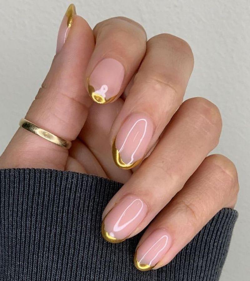 Gold Tips as Fall Nail Design