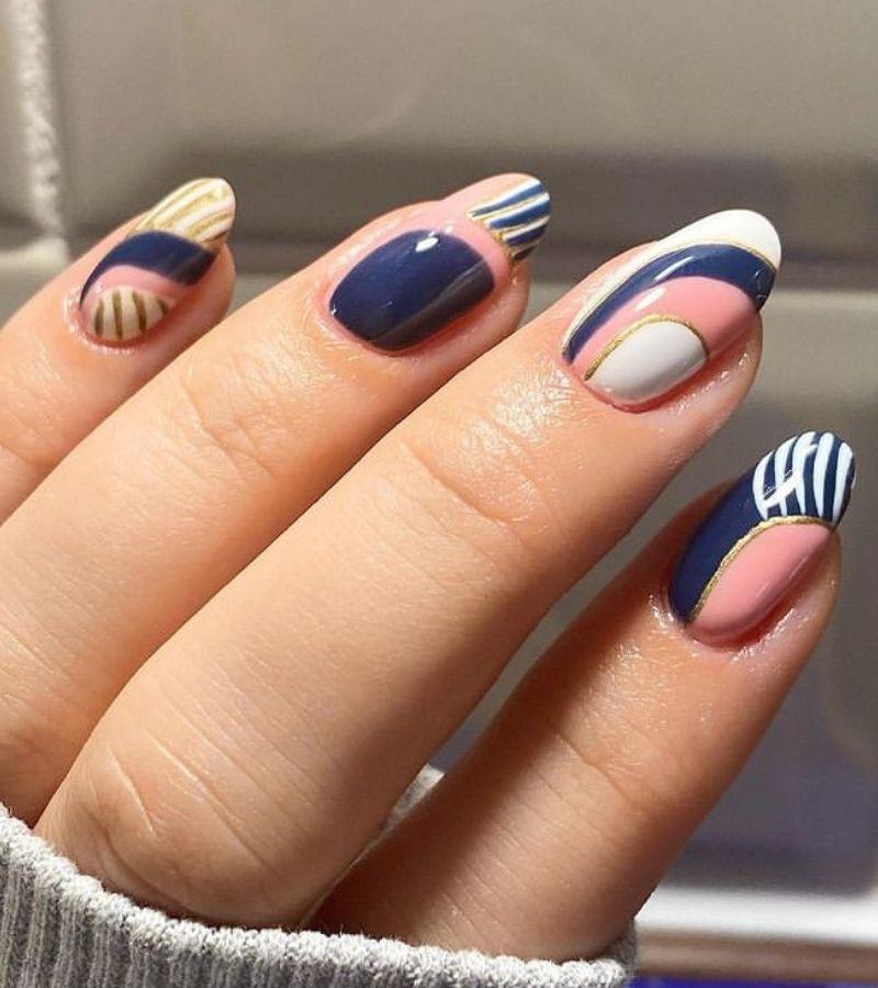 Dark blue and Pink Pastels as Fall Nail Design